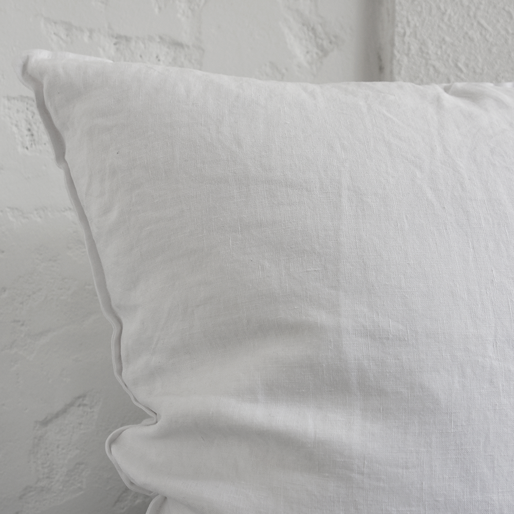 Signature White Cushion